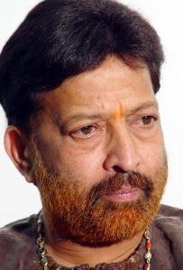 Vishnuvardhan, the Decent Star, is no more. RIP.   churumuriVishnuvardhan Kannada Actor With Lion