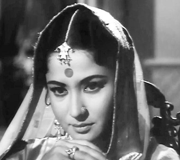 24-Meena-Kumari.jpg
